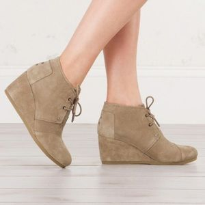 NEW TOMS Women's Suede Ankle Wedge Booties Size 12